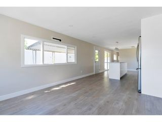 """Photo 2: 181 1840 160 Street in Surrey: King George Corridor Manufactured Home for sale in """"BREAKAWAY BAYS"""" (South Surrey White Rock)  : MLS®# R2585723"""