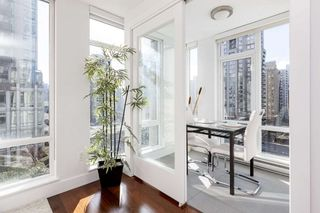 "Photo 6: 802 565 SMITHE Street in Vancouver: Downtown VW Condo for sale in ""VITA"" (Vancouver West)  : MLS®# R2539615"
