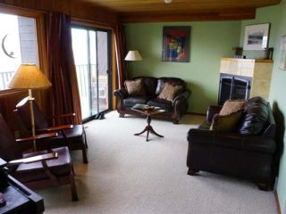 Photo 11: 110 WADDINGTON DRIVE in Kamloops: Sahali Residential Detached for sale : MLS®# 110059