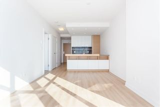 """Photo 8: 3010 4688 KINGSWAY in Burnaby: Metrotown Condo for sale in """"STATION SQUARE"""" (Burnaby South)  : MLS®# R2230142"""