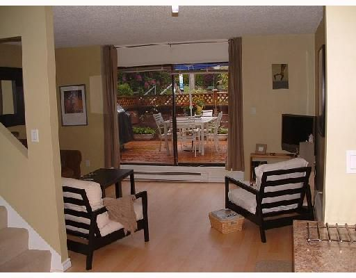 """Photo 2: Photos: 984 HOWIE Avenue in Coquitlam: Central Coquitlam Townhouse for sale in """"WILDWOOD PLACE"""" : MLS®# V739572"""