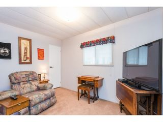 """Photo 13: 74 9080 198 Street in Langley: Walnut Grove Manufactured Home for sale in """"Forest Green Estates"""" : MLS®# R2457126"""
