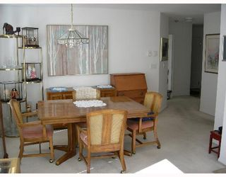"""Photo 3: 304 6820 RUMBLE Street in Burnaby: South Slope Condo for sale in """"GOVERNORS WALK"""" (Burnaby South)  : MLS®# V642206"""