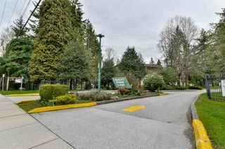 "Photo 2: 10578 HOLLY PARK Lane in Surrey: Guildford Townhouse for sale in ""HOLLY PARK LANE"" (North Surrey)  : MLS®# R2257758"