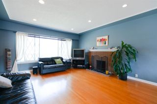 Photo 2: 4136 GILPIN Crescent in Burnaby: Garden Village House for sale (Burnaby South)  : MLS®# R2298190