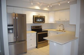Photo 3: 1002 9741 110 Street in Edmonton: Zone 12 Condo for sale : MLS®# E4266423