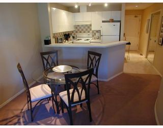 """Photo 9: 207 1208 BIDWELL Street in Vancouver: West End VW Condo for sale in """"The Baybreeze"""" (Vancouver West)  : MLS®# V789577"""