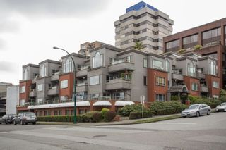 """Photo 4: 102 2412 ALDER Street in Vancouver: Fairview VW Condo for sale in """"Alderview Court"""" (Vancouver West)  : MLS®# R2572616"""