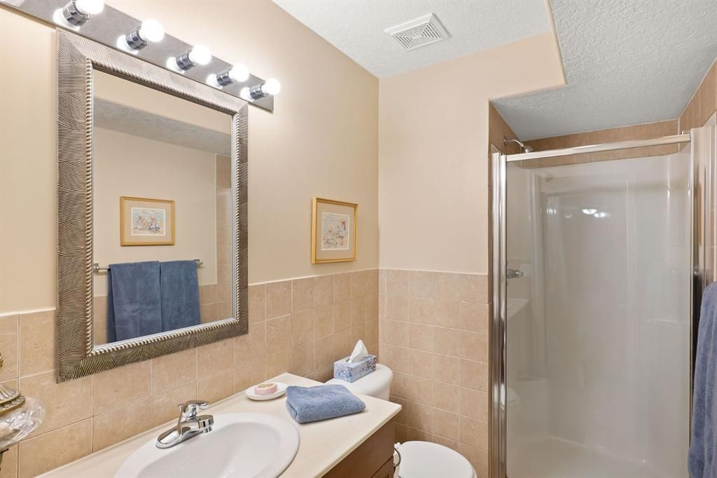 Photo 35: Photos: 15 Lynx Meadows Drive NW: Calgary Detached for sale : MLS®# A1139904