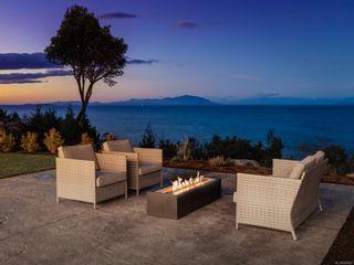Photo 4: 5460 Bayshore Dr in : Na North Nanaimo House for sale (Nanaimo)  : MLS®# 859841