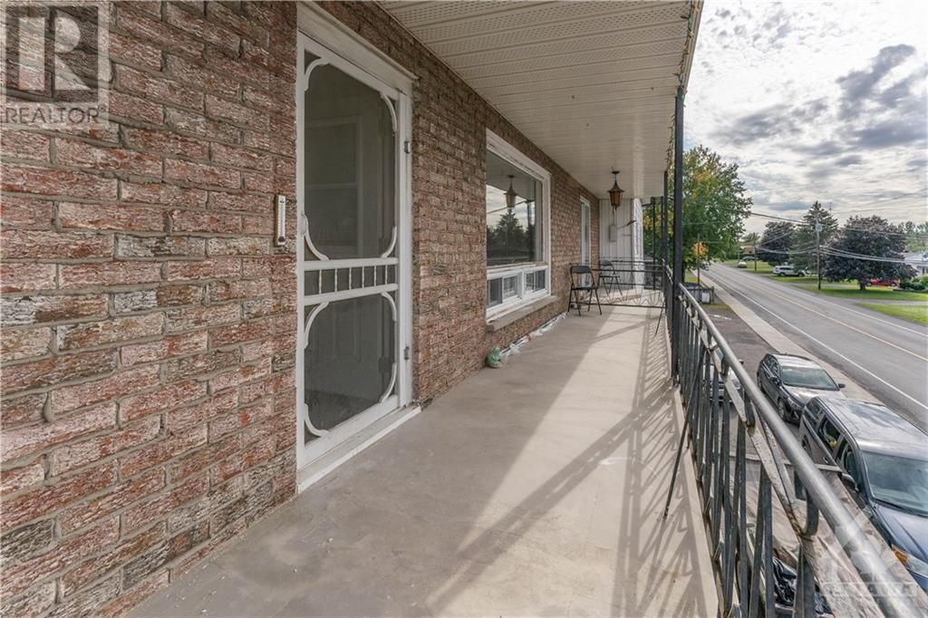 Main Photo: 259 LONGUEUIL STREET in L'Orignal: House for rent : MLS®# 1262145