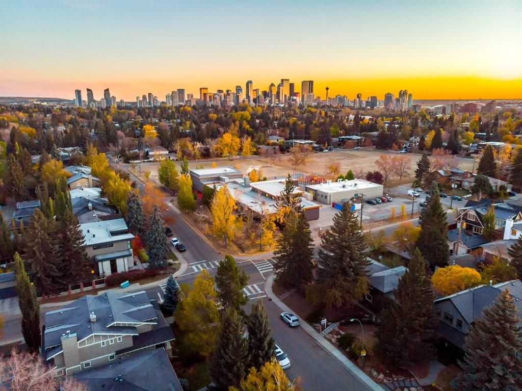 Main Photo: 3808 12 Street SW in Calgary: Elbow Park Detached for sale : MLS®# A1153386