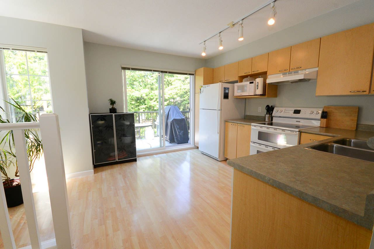 """Photo 5: Photos: 54 12778 66 Avenue in Surrey: West Newton Townhouse for sale in """"HATHAWAY VILLAGE"""" : MLS®# R2085021"""