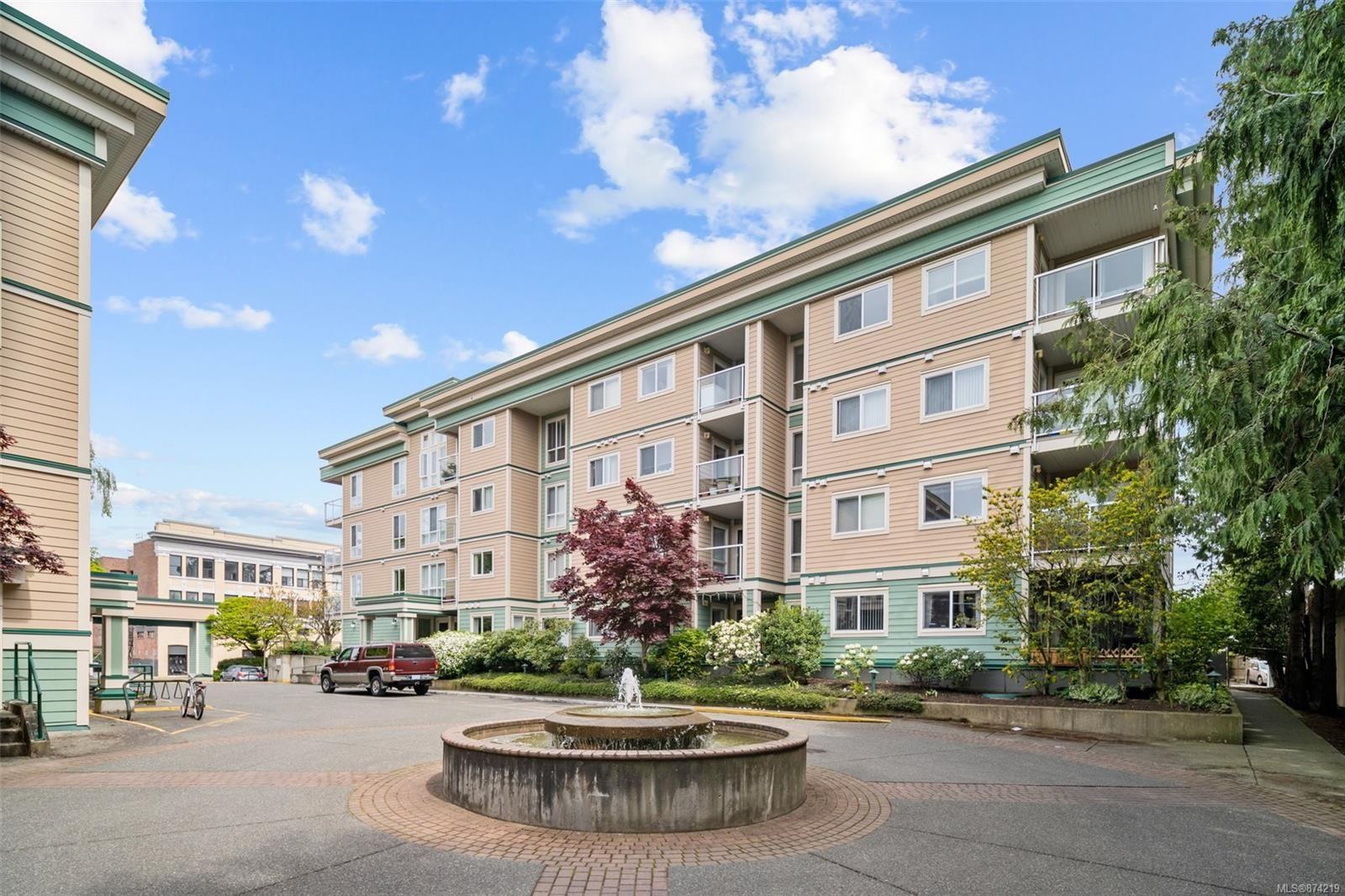 Main Photo: 107 689 Bay St in : Vi Downtown Condo for sale (Victoria)  : MLS®# 874219