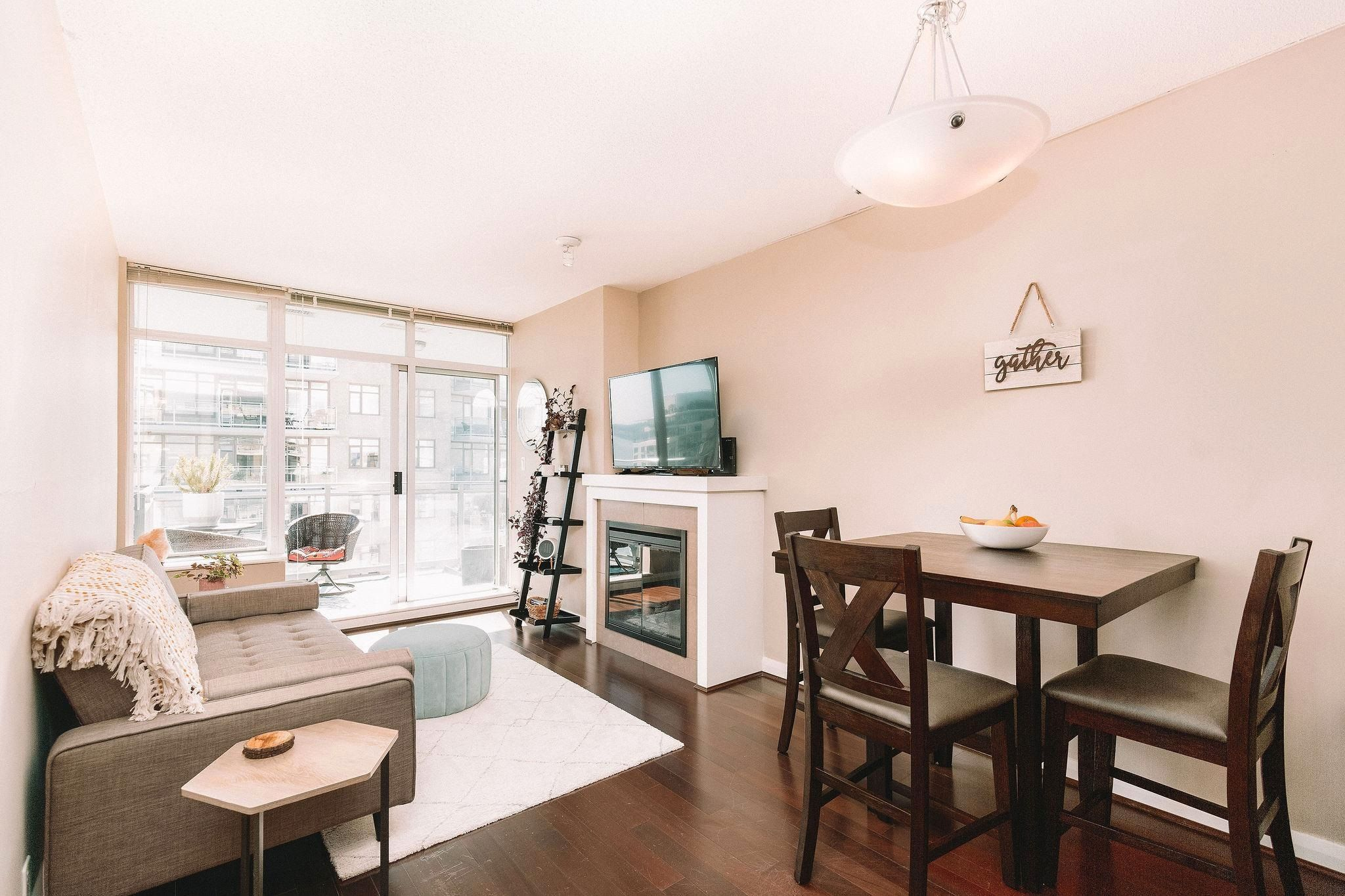 Main Photo: 3210 888 CARNARVON Street in New Westminster: Downtown NW Condo for sale : MLS®# R2614832