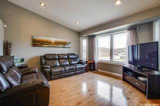 Photo 3: 406 Laycock Crescent in Saskatoon: Stonebridge Residential for sale : MLS®# SK806574