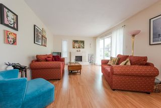 Photo 3: 207 255 E 14TH Avenue in Vancouver: Mount Pleasant VE Condo for sale (Vancouver East)  : MLS®# R2385168