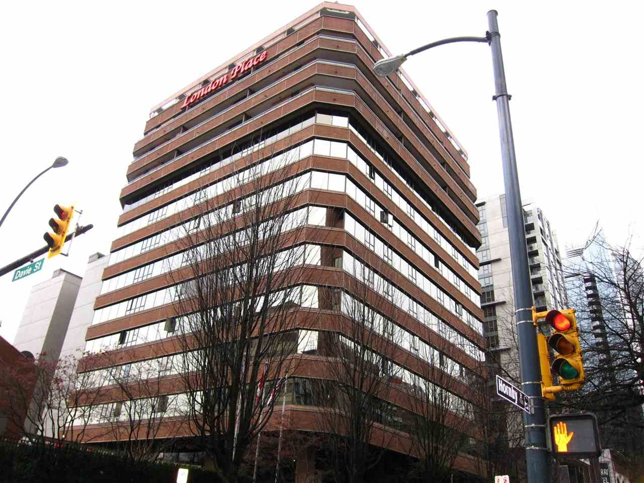 "Main Photo: 1003 1177 HORNBY Street in Vancouver: Downtown VW Condo for sale in ""London Place"" (Vancouver West)  : MLS®# R2438307"