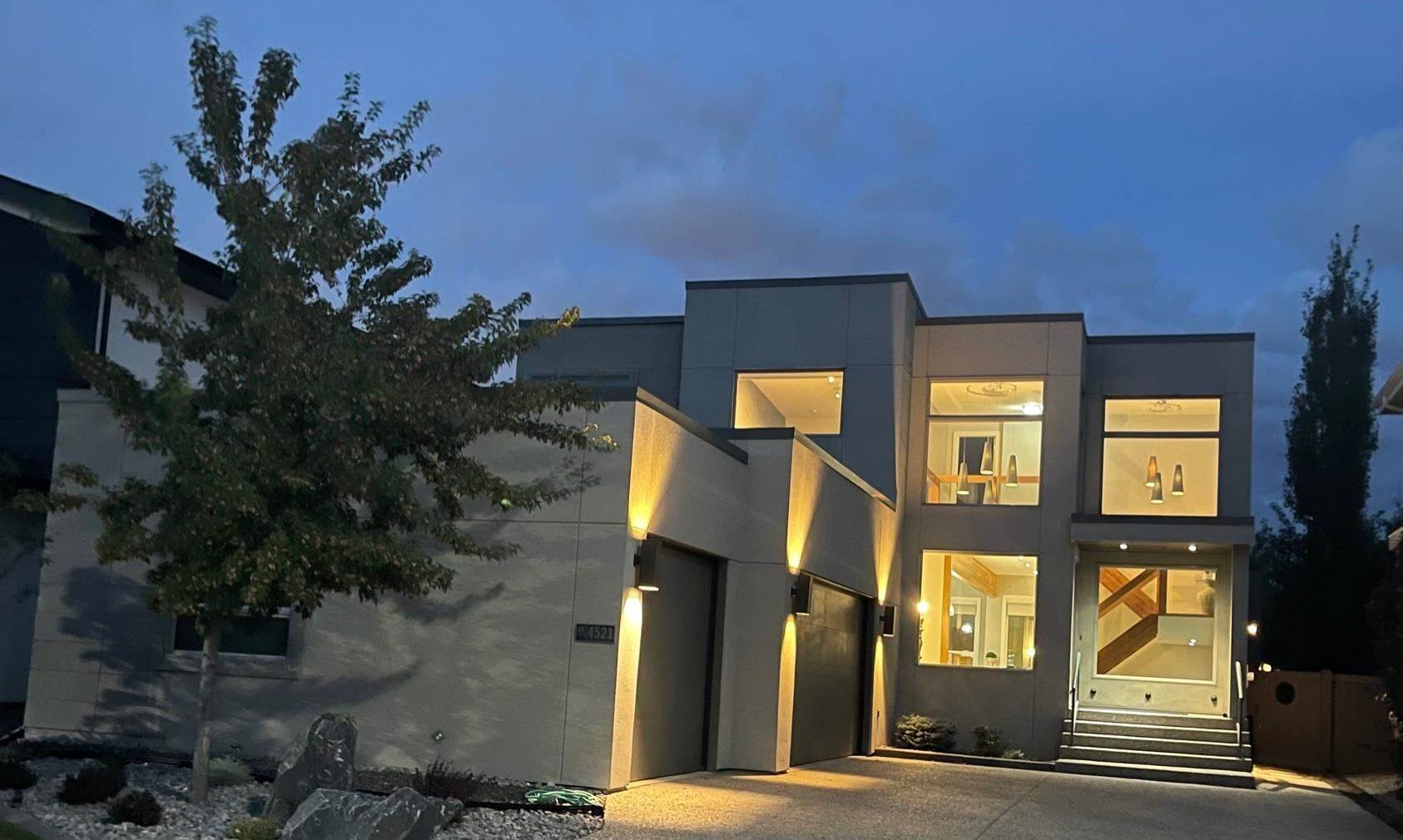 Main Photo: 4521 Mead Court in Edmonton: Zone 14 House for sale : MLS®# E4260756