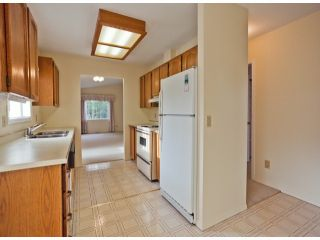 """Photo 5: 13 1400 164TH Street in Surrey: King George Corridor House for sale in """"GATEWAY Gardens"""" (South Surrey White Rock)  : MLS®# F1300613"""