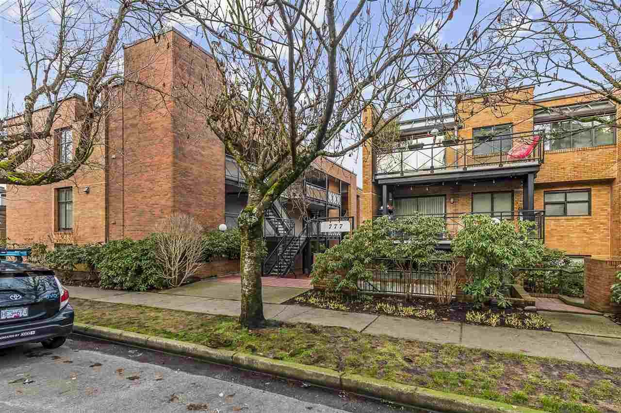 "Main Photo: 201 777 W 7TH Avenue in Vancouver: Fairview VW Condo for sale in ""777"" (Vancouver West)  : MLS®# R2528531"