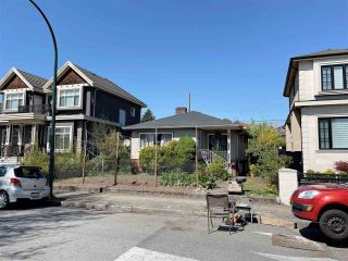 Photo 3: 453 E 61ST Avenue in Vancouver: South Vancouver House for sale (Vancouver East)  : MLS®# R2571730