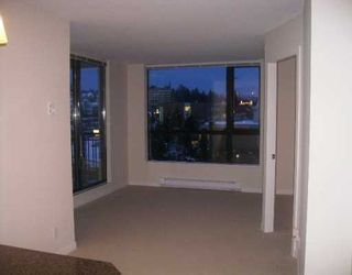 """Photo 1: 813 AGNES Street in New Westminster: Downtown NW Condo for sale in """"NEWS"""" : MLS®# V626336"""