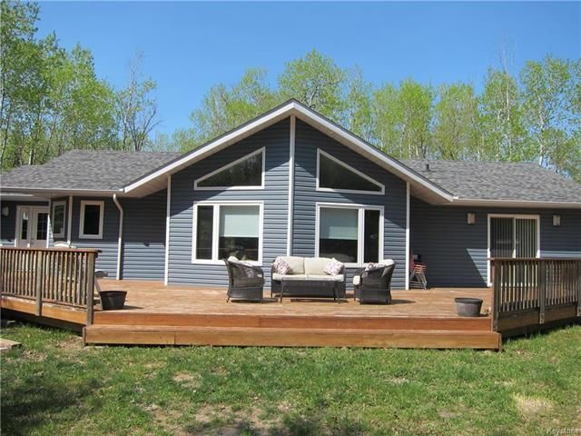 Main Photo: 17 Clearwater Cove in Victoria Beach: Clearwater Cove Residential for sale (R27)  : MLS®# 1813270