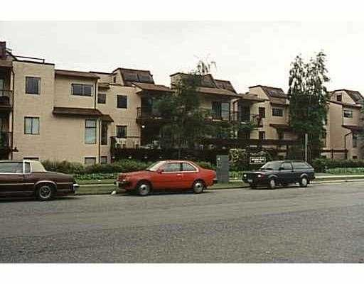 Main Photo: 107 251 W 4TH ST in North Vancouver: Lower Lonsdale Condo for sale : MLS®# V536652