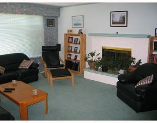 Photo 4: 5212 RADCLIFFE Road in Sechelt: Sechelt District House for sale (Sunshine Coast)  : MLS®# V653177