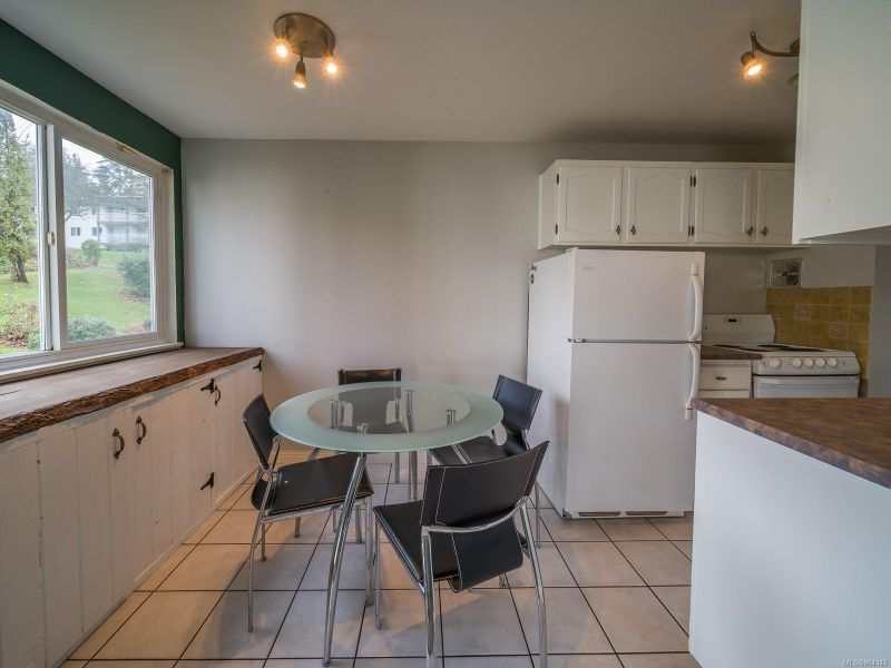 FEATURED LISTING: 5202 - 999 Bowen Rd
