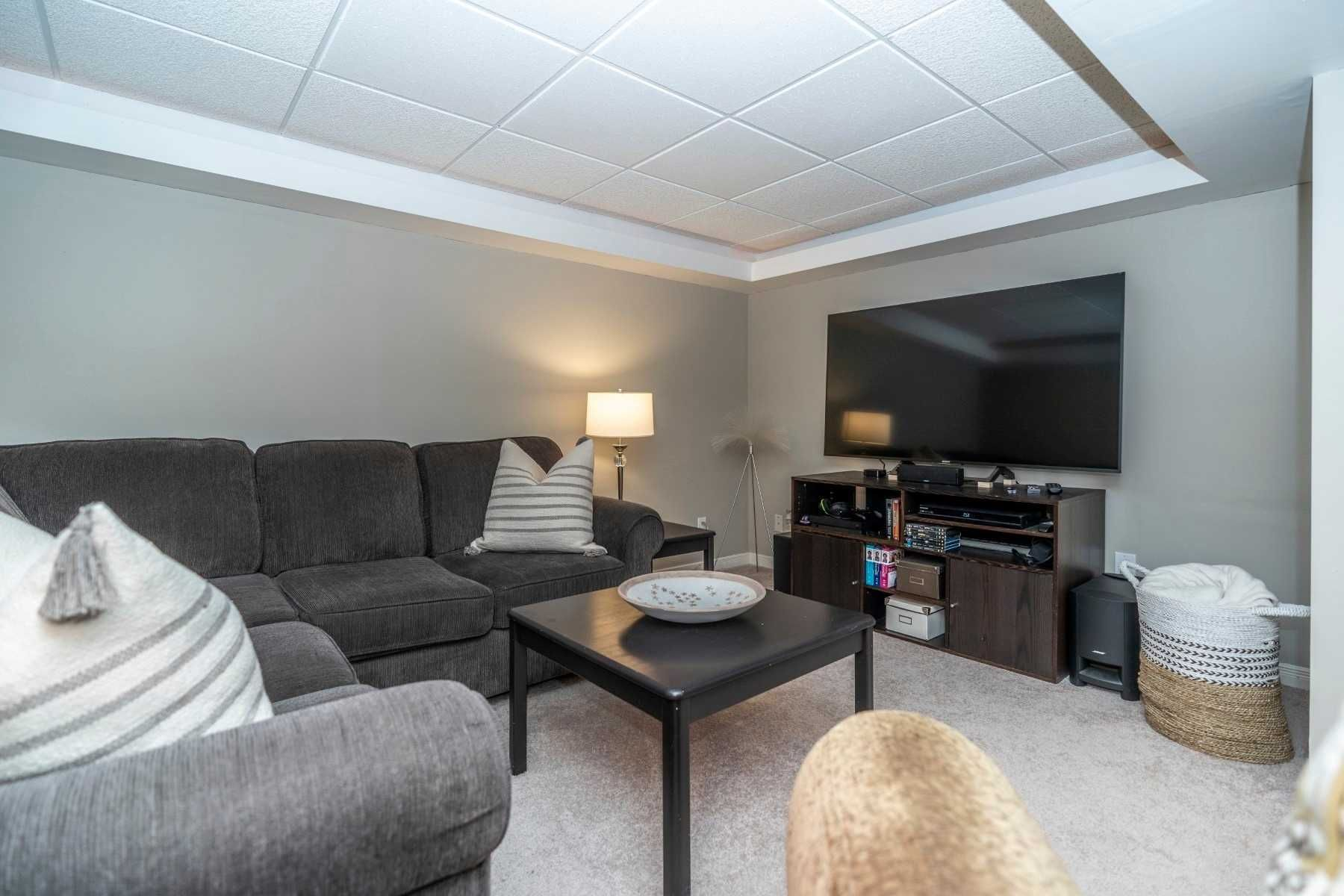 Photo 17: Photos: 547 Camelot Drive in Oshawa: Eastdale House (2-Storey) for sale : MLS®# E4529227