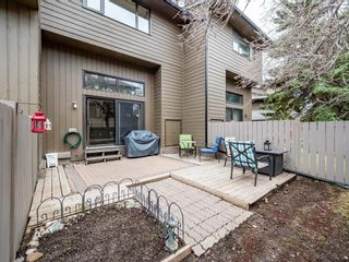 Photo 12: 20 23 Glamis Drive SW in Calgary: Glamorgan Row/Townhouse for sale : MLS®# A1108158
