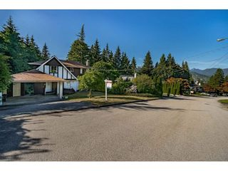Photo 3: 914 FRESNO PLACE in Coquitlam: Harbour Place House for sale : MLS®# R2483621