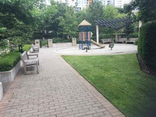 Photo 10: 201 5380 OBEN Street in Vancouver: Collingwood VE Condo for sale (Vancouver East)  : MLS®# R2177931
