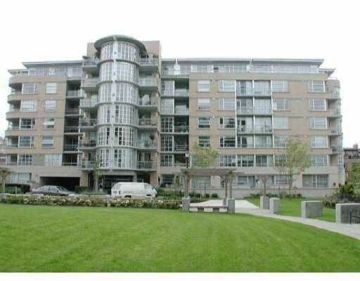"""Main Photo: 107 2655 CRANBERRY DR in Vancouver: Kitsilano Condo for sale in """"THE NEW YORKER"""" (Vancouver West)  : MLS®# V527276"""