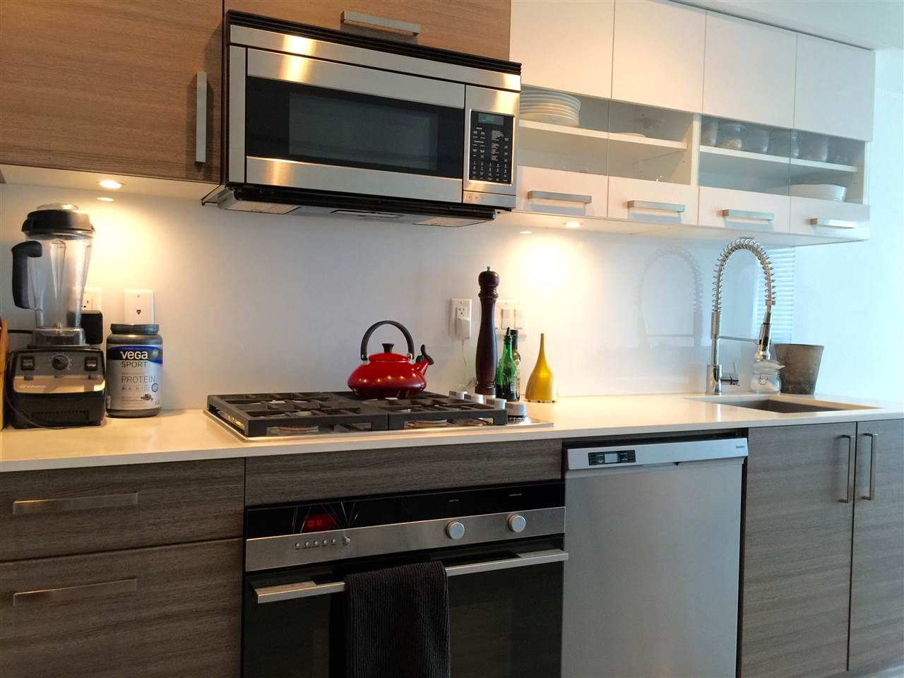 """Photo 10: Photos: 202 2858 W 4TH Avenue in Vancouver: Kitsilano Condo for sale in """"Kits West"""" (Vancouver West)  : MLS®# R2085977"""