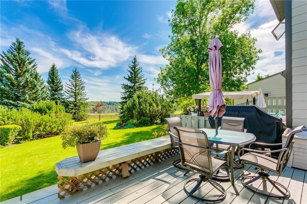 Photo 2: Photos: 17 185 WOODRIDGE Drive SW in Calgary: Woodlands Row/Townhouse for sale : MLS®# C4295020