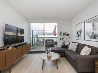 """Photo 15: 312 1647 E PENDER Street in Vancouver: Hastings Townhouse for sale in """"The Oxley"""" (Vancouver East)  : MLS®# R2555021"""
