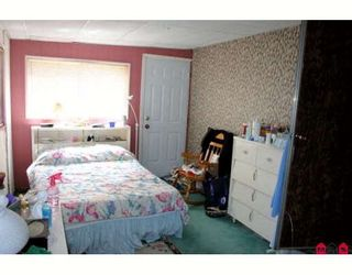 Photo 4:  in King George Mobile Home Park: Home for sale : MLS®# F2822378