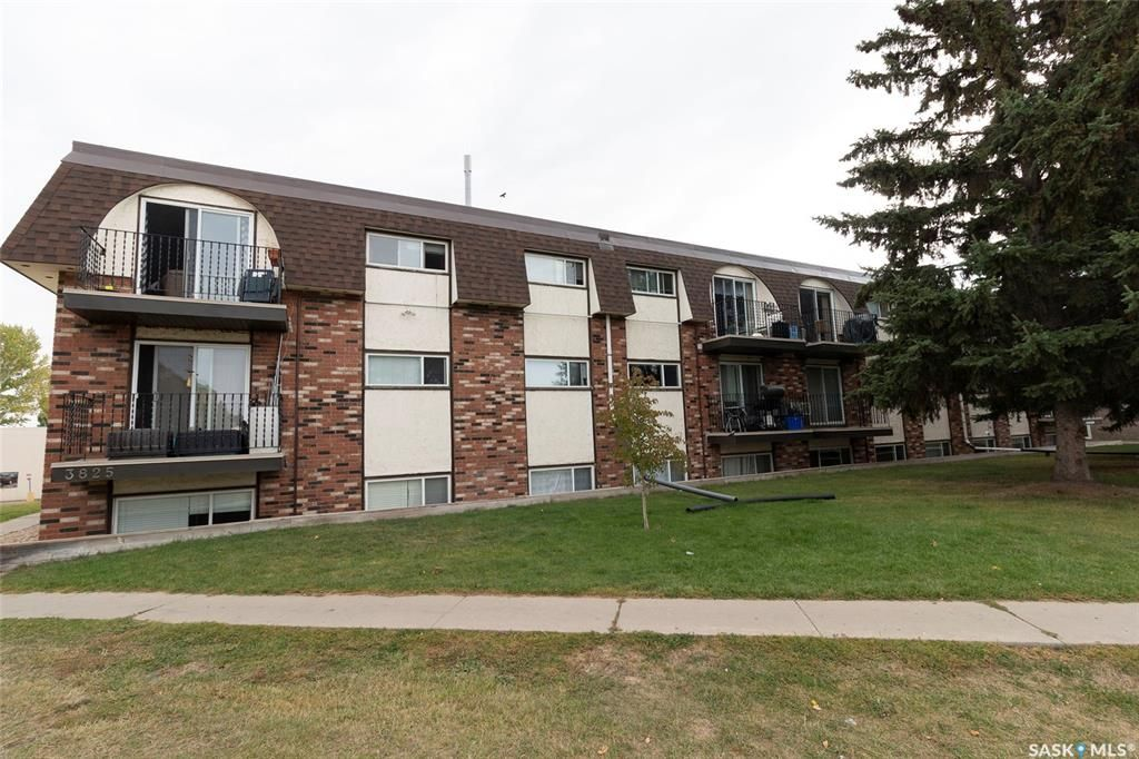 Main Photo: 11 3825 Luther Place in Saskatoon: West College Park Residential for sale : MLS®# SK827114