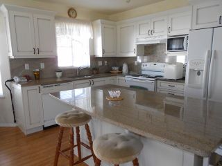 """Photo 5: 20 6488 168TH Street in Surrey: Cloverdale BC Townhouse for sale in """"TURNBERRY"""" (Cloverdale)  : MLS®# F1403317"""
