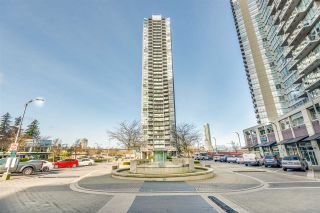 """Photo 2: 708 13618 100 Avenue in Surrey: Whalley Condo for sale in """"Infinity"""" (North Surrey)  : MLS®# R2552057"""