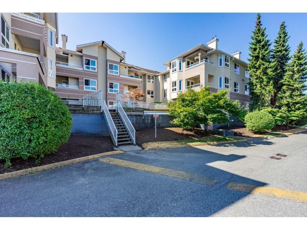 """Main Photo: 301 19721 64 Avenue in Langley: Willoughby Heights Condo for sale in """"THE WESTSIDE"""" : MLS®# R2605383"""
