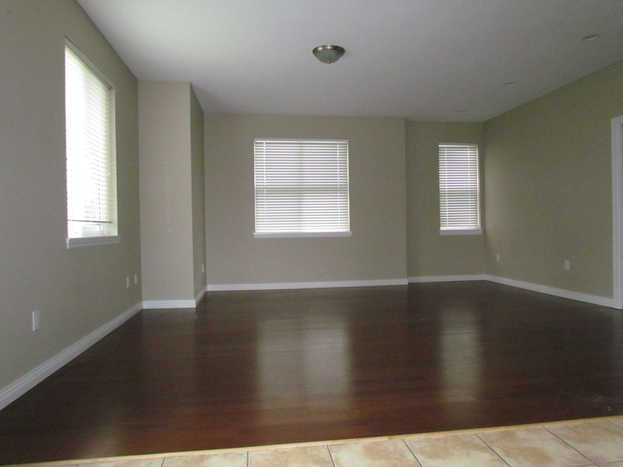 Photo 9: Photos: Suite 35158 Rockwell Dr. in Abbotsford: Abbotsford East Condo for rent