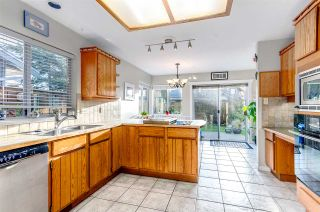 """Photo 11: 5346 LAUREL Way in Ladner: Hawthorne House for sale in """"Victory South"""" : MLS®# R2030940"""