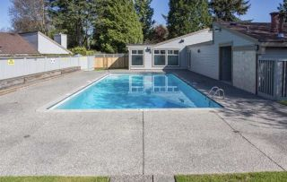 Photo 18: 6146 W GREENSIDE Drive in Surrey: Cloverdale BC Townhouse for sale (Cloverdale)  : MLS®# R2275639