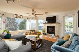 Photo 1: 332 ST. PATRICK'S Avenue in North Vancouver: Lower Lonsdale 1/2 Duplex for sale : MLS®# R2556186