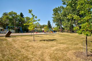 Photo 39: 2404 9 Avenue NW in Calgary: West Hillhurst Detached for sale : MLS®# A1134277