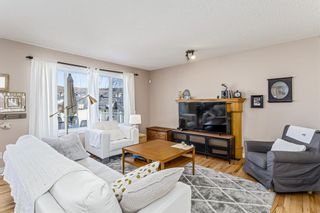 Photo 4: 403 Cresthaven Place SW in Calgary: Crestmont Detached for sale : MLS®# A1101829